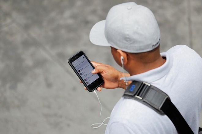 Apple, iPhone, nghe lén, ghi âm, xâm phạm quyền riêng tư, trợ lý ảo