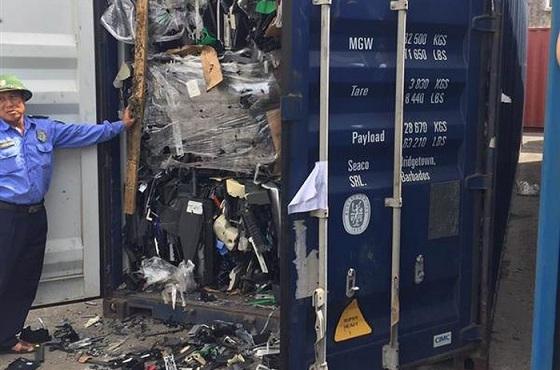nhập khẩu phế liệu, rác thải điện tử, container phế liệu