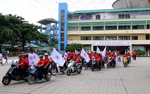 Ra quân tuyên truyền về biểu tượng Chữ thập đỏ