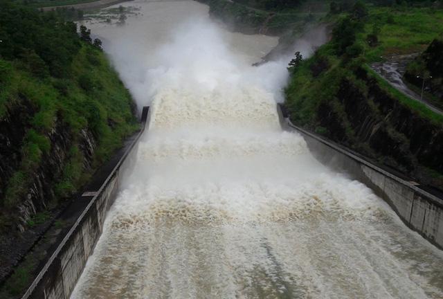 hồ chứa, hồ thủy lợi, thủy điện xả lũ, xả lũ