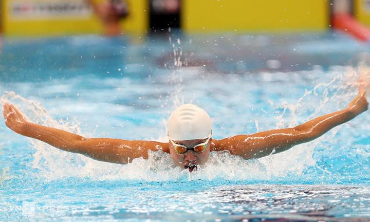 Ánh Viên tranh tài ở chung kết 400m cá nhân hỗn hợp nữ Asiad 2018, tại Cung thể thao dưới nước GBK Jakarta tối nay. Ảnh: Đức Đồng.