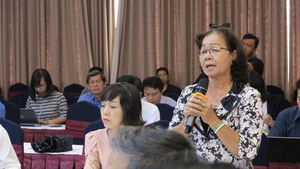 Bà Phan Thị Thu Hà, Phó Giám đốc Sở Giáo dục và Đào tạo tỉnh Đồng Tháp phát biểu tại Hội nghị.