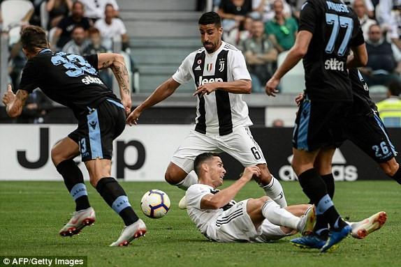 Ronaldo tịt ngòi trong trận đấu giữa Juventus vs Lazio.