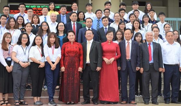 Chủ tịch Quốc hội Nguyễn Thị Kim Ngân gặp gỡ và nói chuyện với hơn 1.000 sinh viên ĐHQG TPHCM
