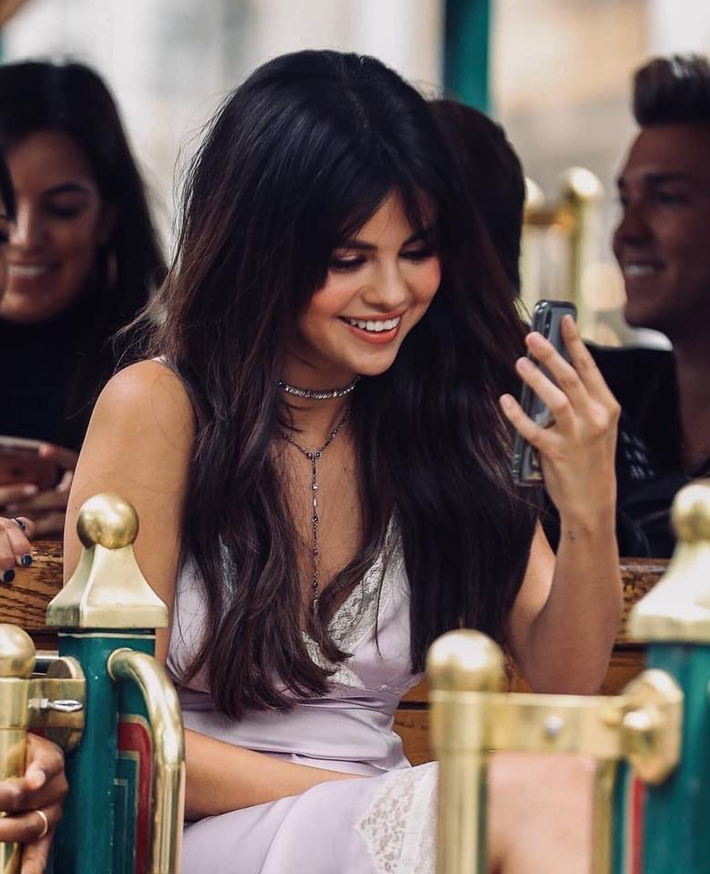 VOH-Selena-xinh-dep-rang-ro-3