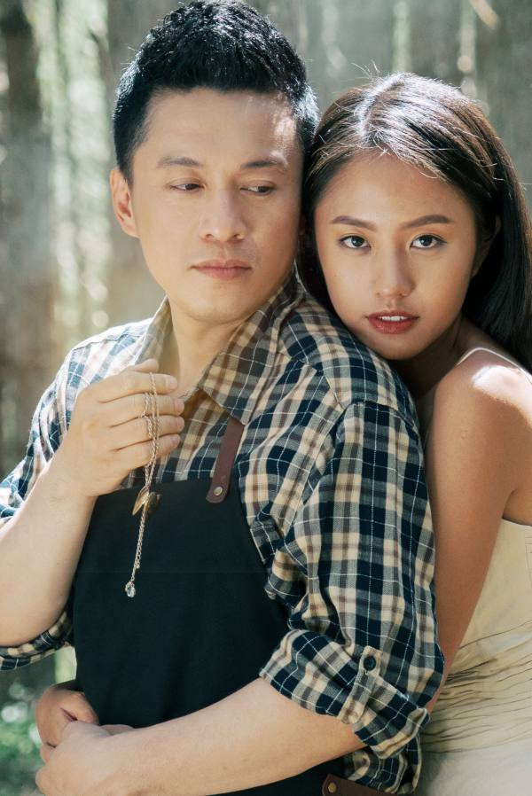 Lam Trường vào vai anh em song sinh trong MV Cứ Mặc Anh.