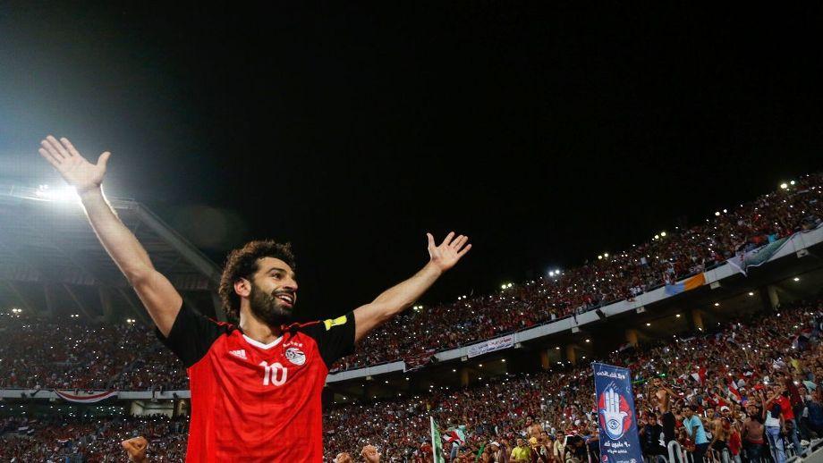 Tiền đạo Salah ăn mừng bàn thắng ghi cho đội tuyển Ai Cập.