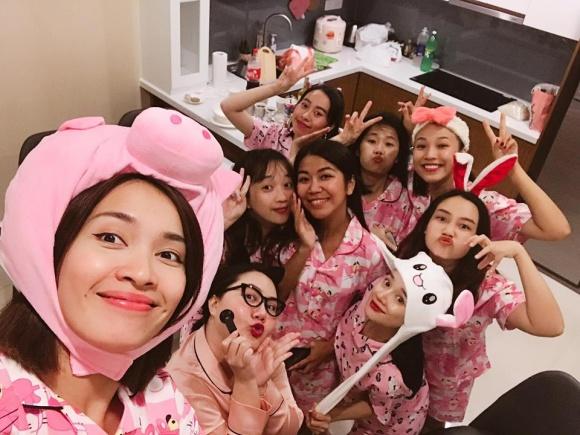 buoi-tiec-pijama-huong-phan-chia-tay-doi-doc-than-cua-nha-phuong-3