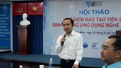PGS.TS Vũ Hải Quân - Phó Giám đốc ĐHQG-HCM phát biểu tại hội thảo