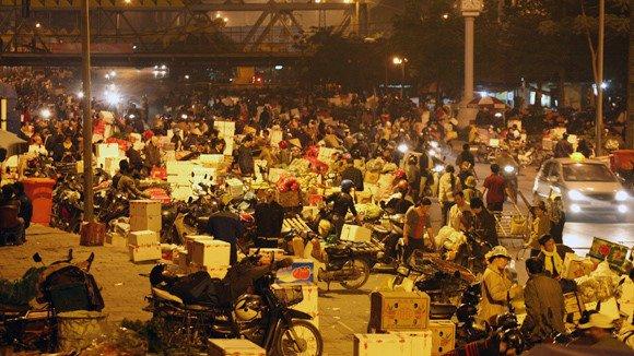 bảo kê ở chợ Long Biên