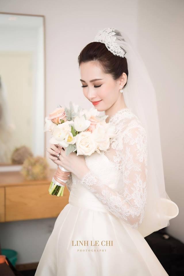 VOH-my-nhan-Viet-mac-ao-cuoi-12