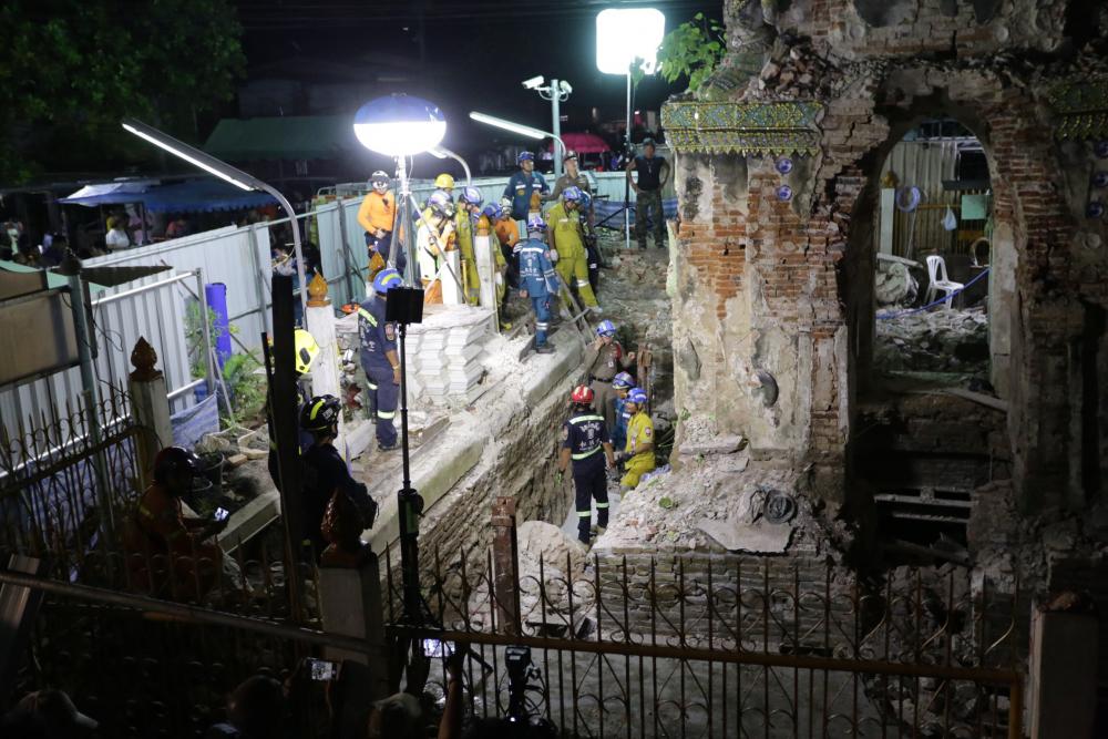 tai nạn, trùng tu di tích, đền Phraya Tham Voraviharn