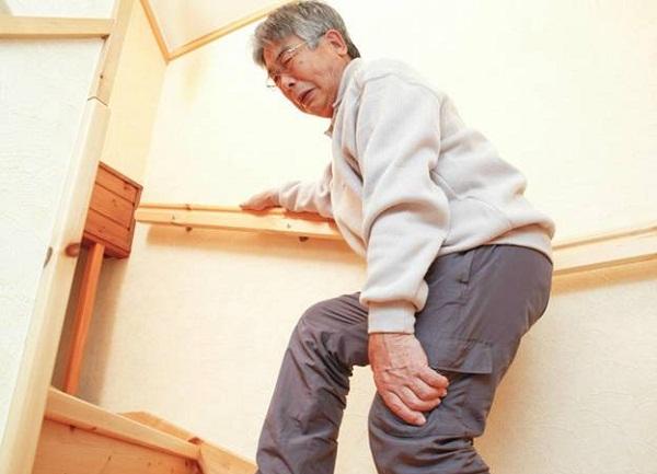 Ngoài 50 tuổi, nhiều người bắt đầu bị đau nhức xương khớp