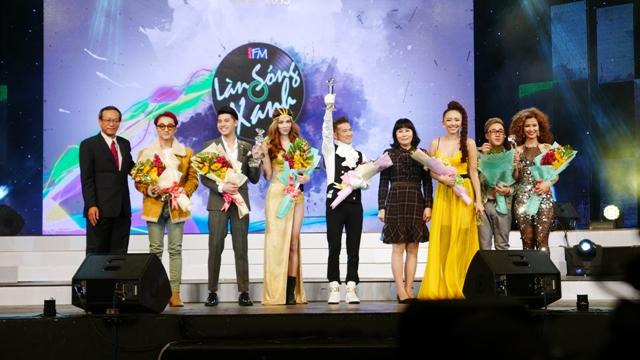 Làn Sóng Xanh 2015: Top 5 ca sĩ được yêu thích bảng Top hit - Top 5 ca sĩ được yêu thích nhất bảng vàng
