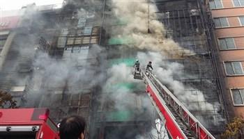 Cách thoát hiểm khi có em bé trong trường hợp cháy nhà cao tầng