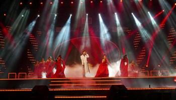 Lạc Trôi của Sơn Tùng lung linh trên sân khấu lễ trao giải Làn Sóng Xanh 19-2016