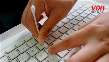 5 bí quyết làm sạch bàn phím laptop