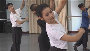 Nỗi niềm của sinh viên ngành múa