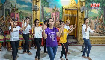 Múa truyền thống: 'Món ăn tinh thần' không thể thiếu trong đời sống đồng bào Khmer