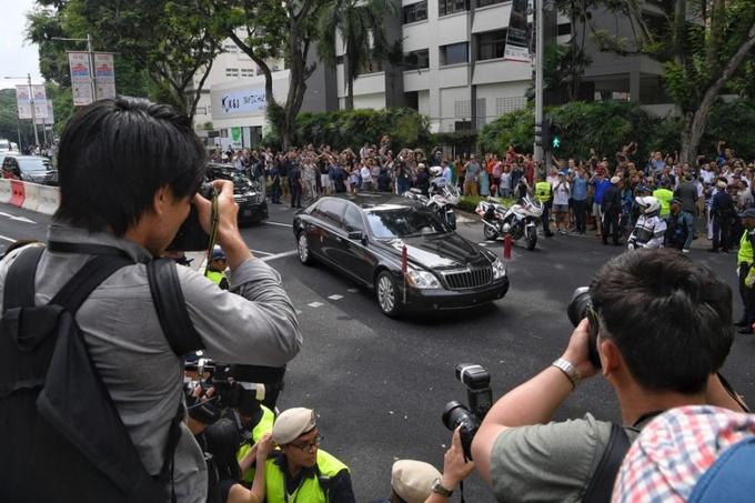 Lãnh đạo Triều Tiên đến khách sạn St. Regis. Ảnh: Straitstimes.