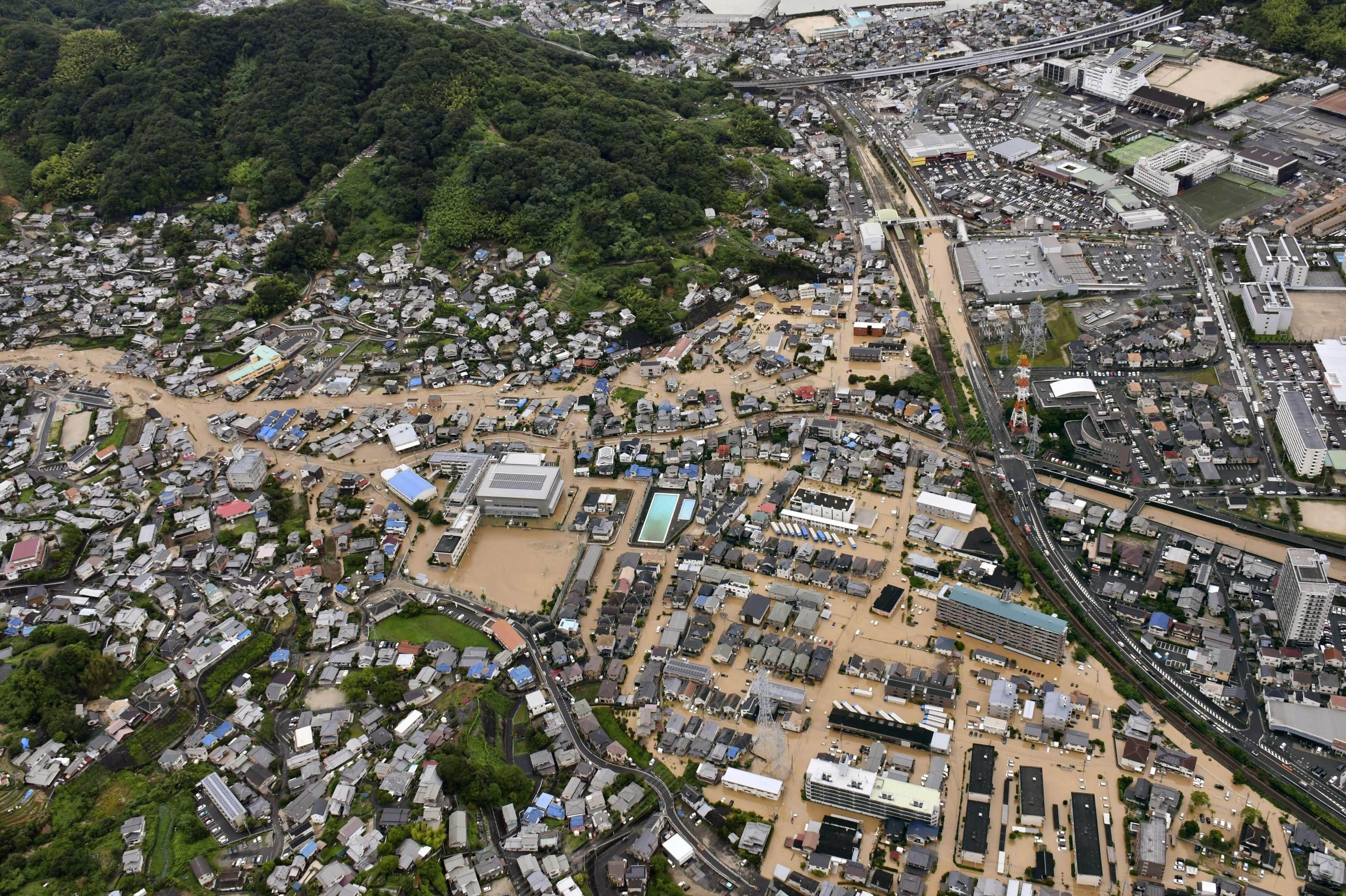 Đã có ít nhất 27 người thiệt mạng và 47 người được báo mất tích sau đợt mưa.